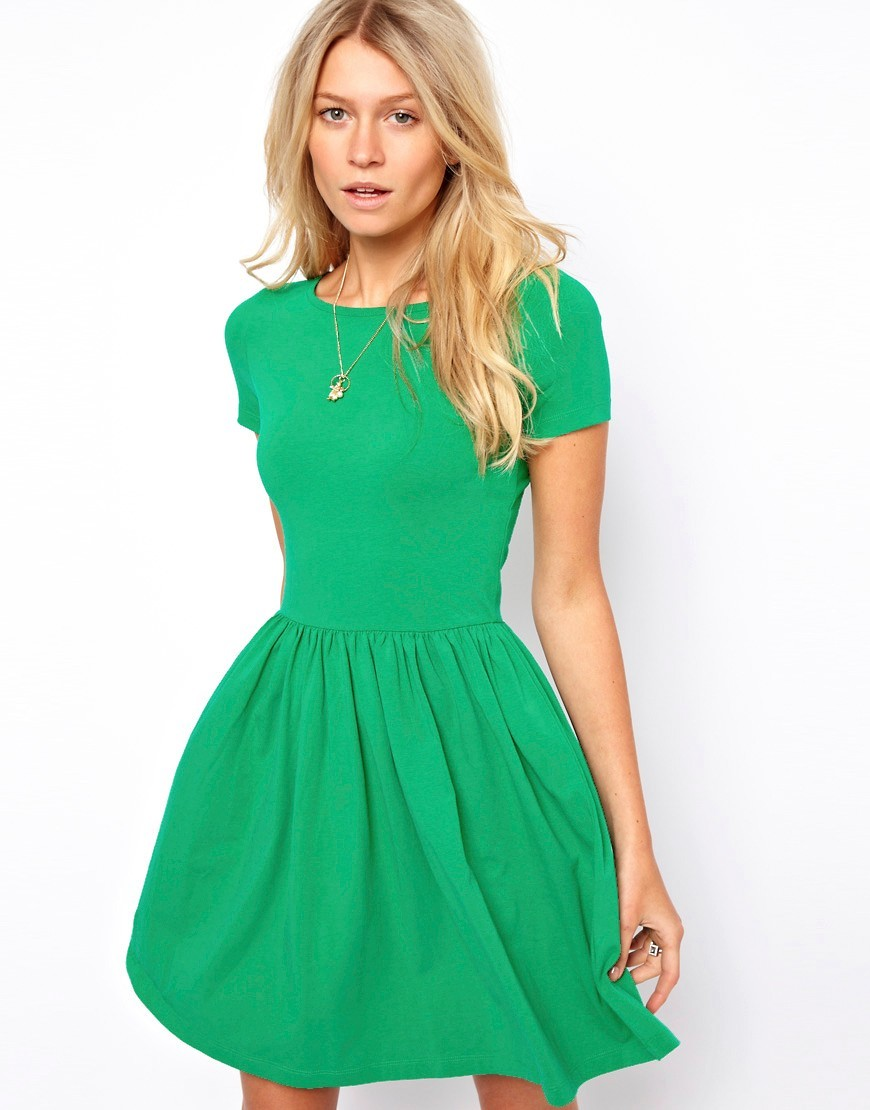 Короткие платья зеленого цвета