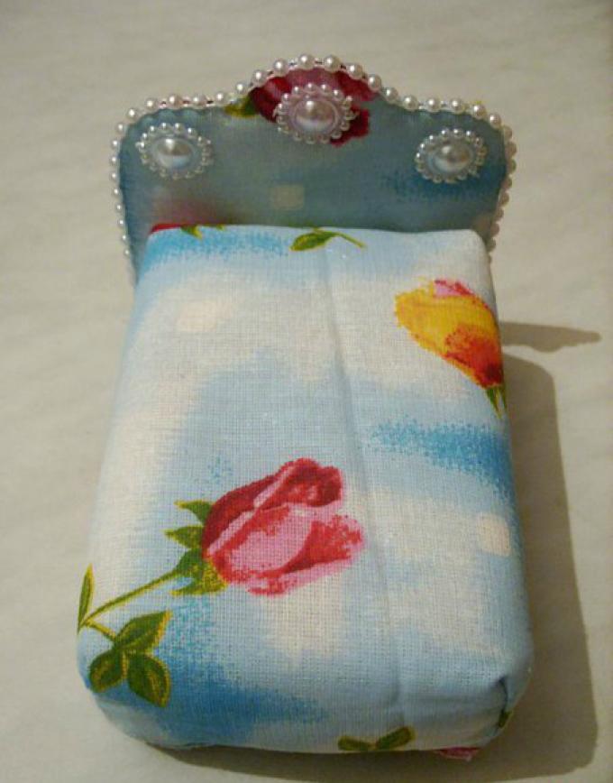 Как сшить игрушечную мягкую мебель – кровать для кукол, своими руками: шаг22