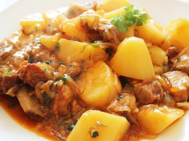 рецепт кролик с картошкой в горшочках