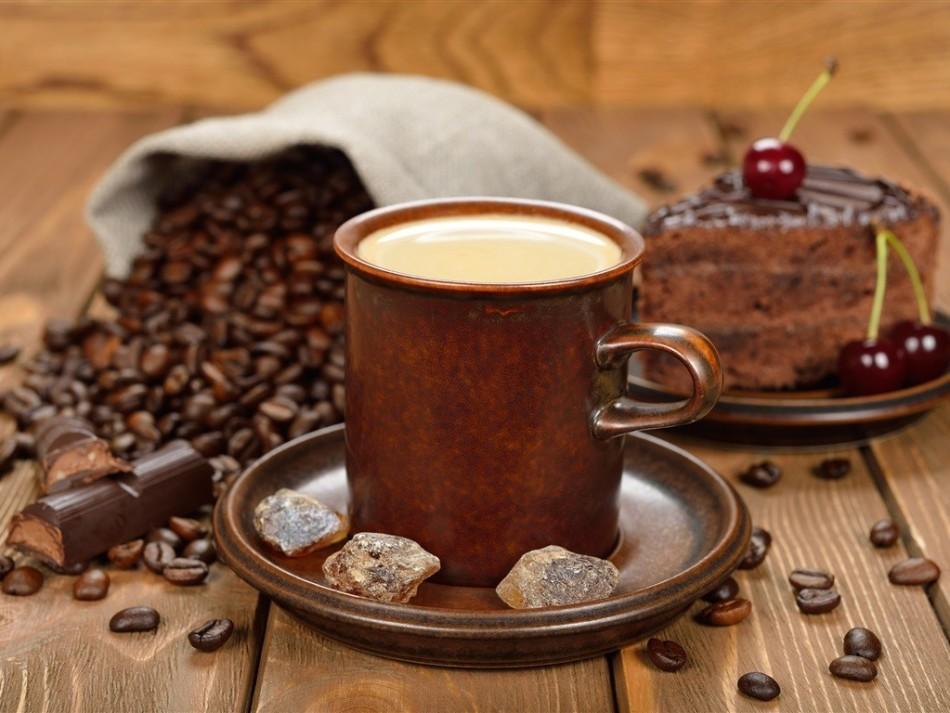 Кофе с добавлением коньяка и сливок