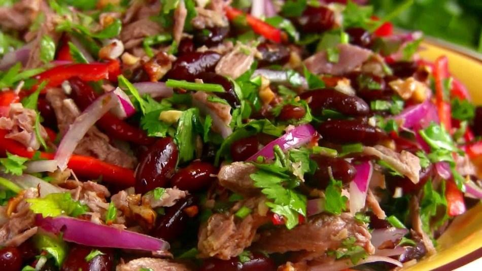 салат тбилиси с красной фасолью куриной грудкой