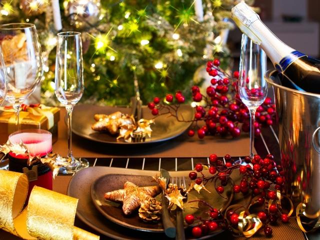 Что приготовить на Новый 2018 год: праздничное меню, сервировка стола, украшение блюд. Вкусные рецепты-новинки блюд на Новый 2018 год — новогодний салат «Морская гавань»