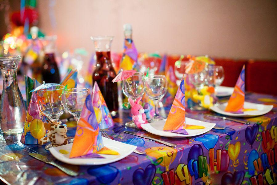 Сладкий стол на день рождения девочки дома оформление