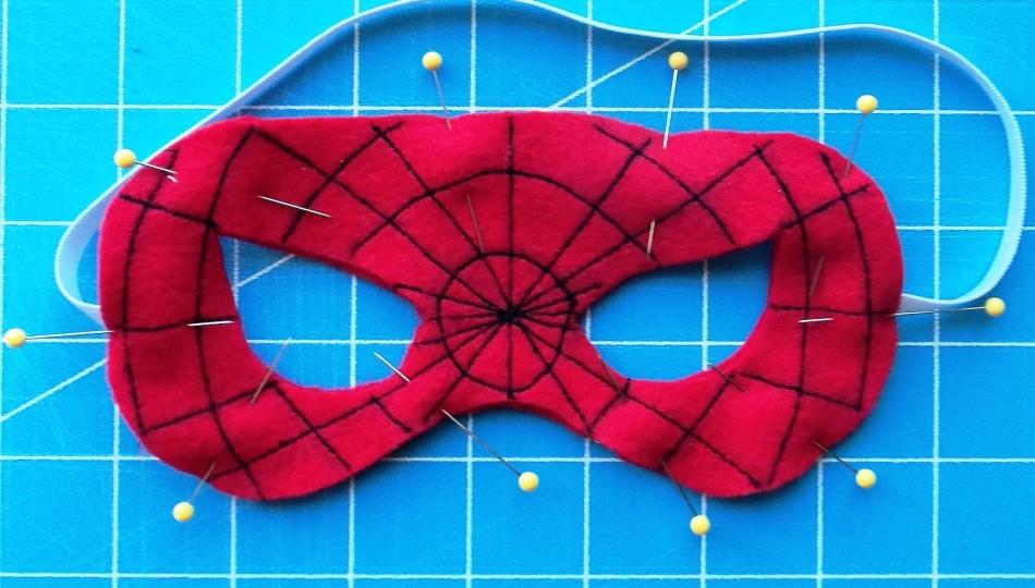 Маска Человека паука своими руками: из ткани, из бумаги 17