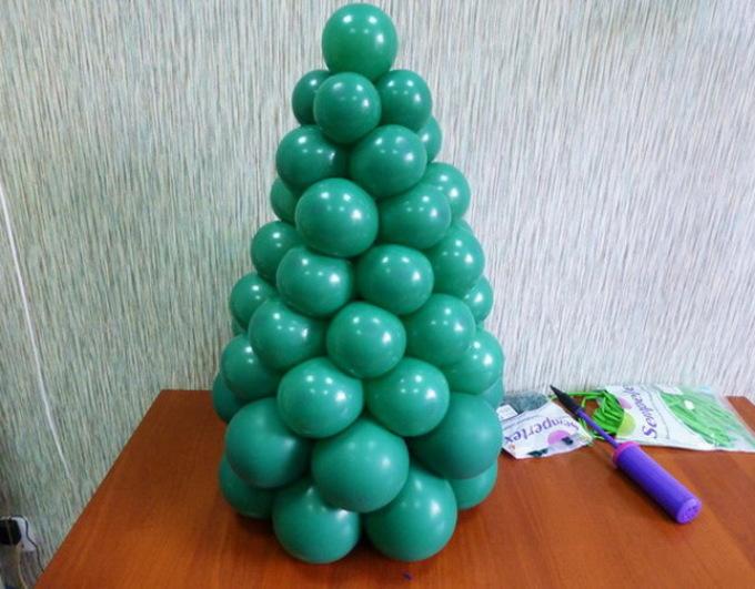 Как сделать из одного шарика елку