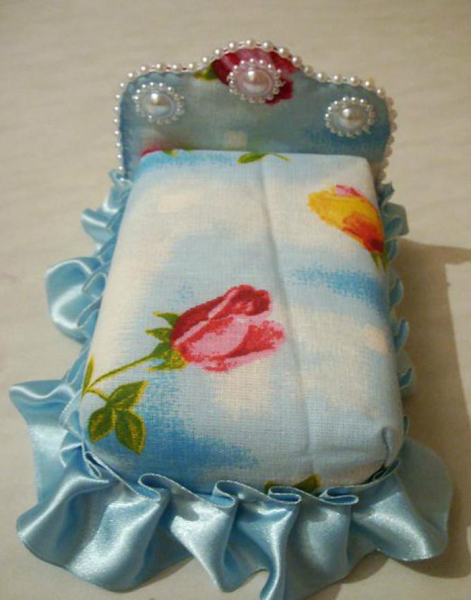 Как сшить игрушечную мягкую мебель – кровать для кукол, своими руками: шаг23