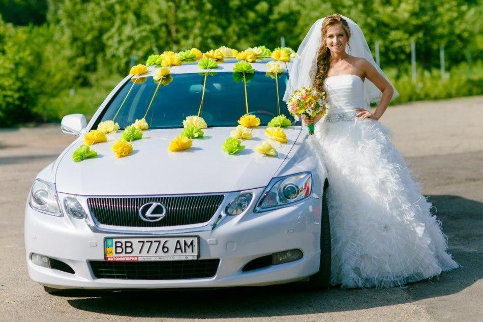 Как украсить свадебную машину своими руками фатином?