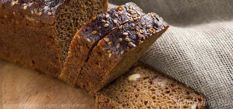 Черный хлеб - продукт с массой полезных свойств.