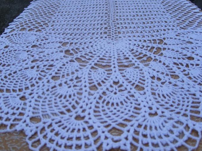 Как связать крючком красивую белую ажурную салфетку овальную: схема с описанием