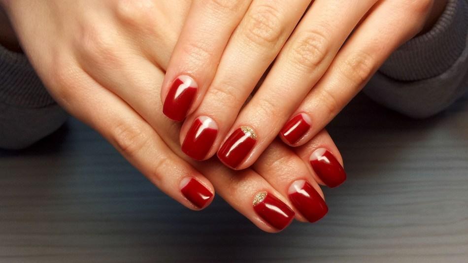 как рисовать лунки на ногтях гель лаком