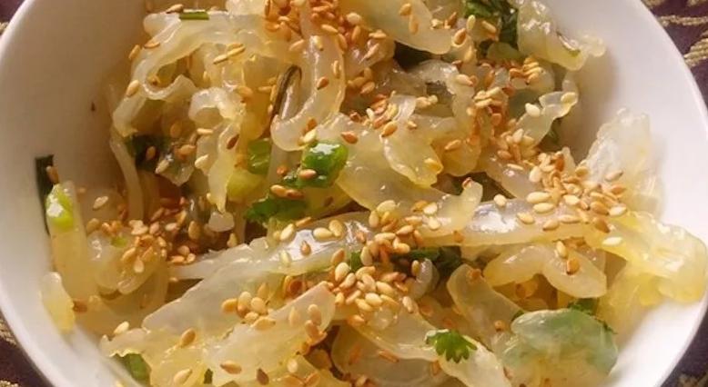 Блюдо из медуз черного моря