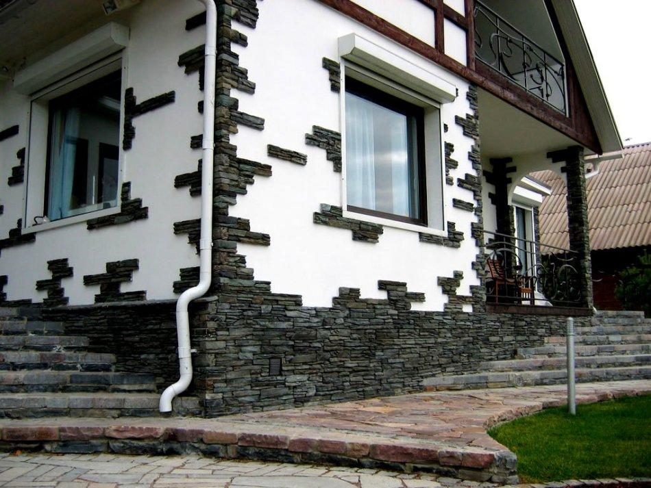 Пример №2 отделки фасада декоративным камнем из гипса