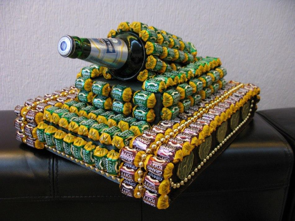 Как сделать танк из конфет своими руками пошаговое фото для начинающих