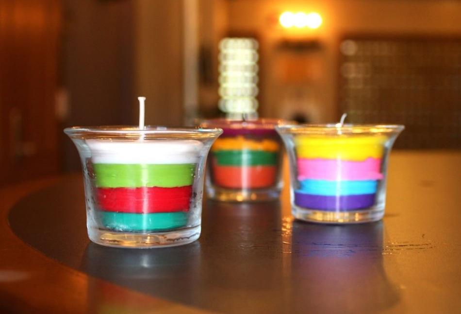 Как сделать цветную свечку с