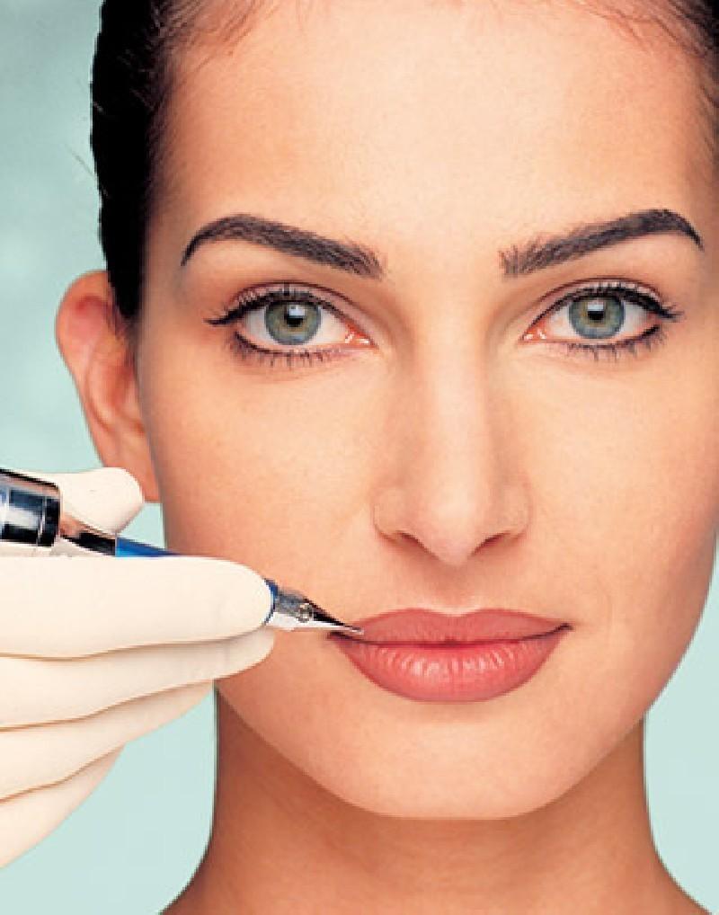 Перманентный макияж губ позволяет создать идеальный контур