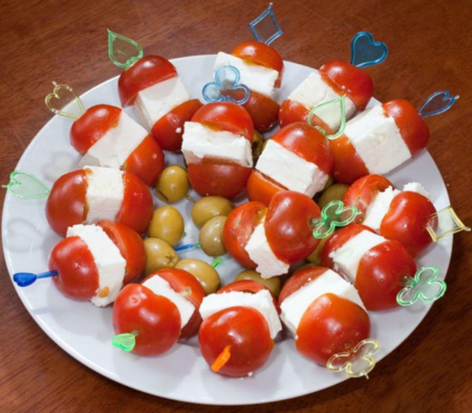 Легкие закуски на шпажках для фуршета рецепты