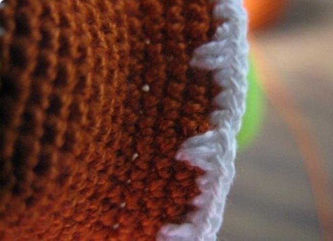 Декоративный шов по краю панциря черепашки крючком