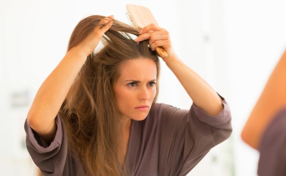 Ужасно чешутся волосы