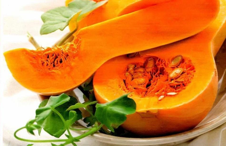 Мускатные сорта тыквы с ярко-оранжевой мякотью подходят для приготовления молочных каш