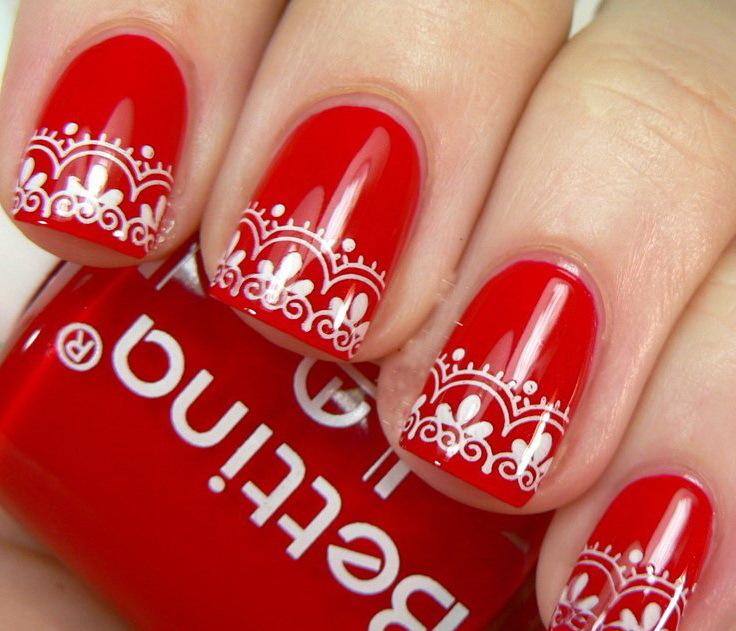Ногти красные с кружевом