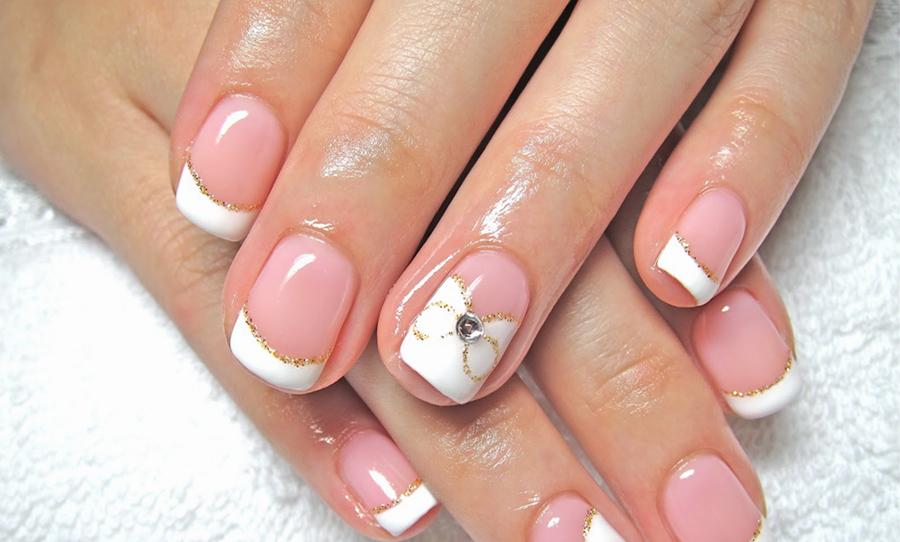 Ногти френч белый на короткие ногти дизайн