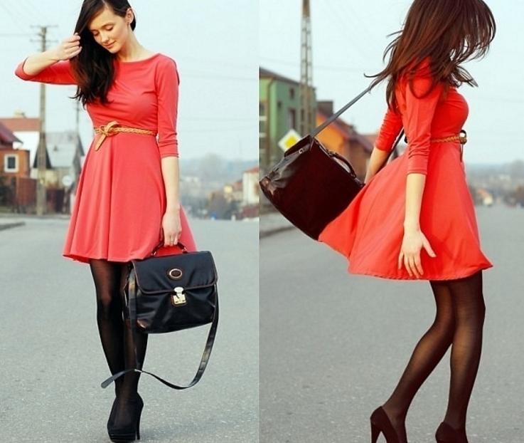 Красное платье красные туфли и маникюр