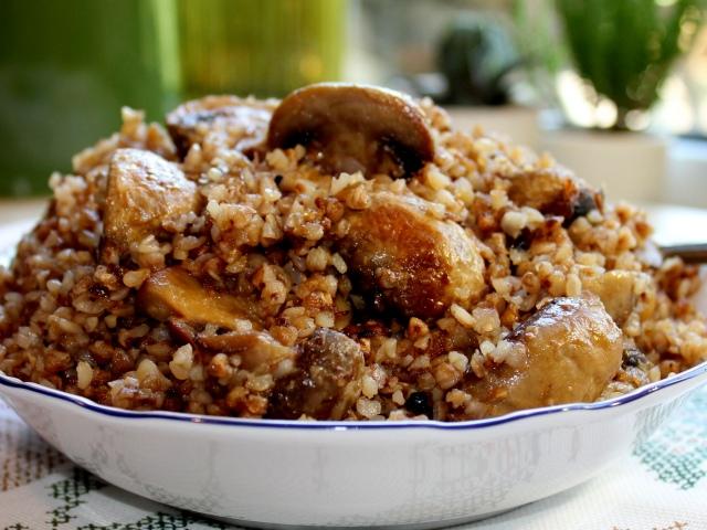 Что можно сделать из вареной гречки быстро и вкусно