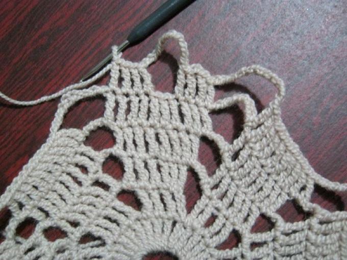 Вязание салфетки крючком, 6 ряд