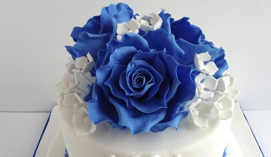 Торт с мастикой синего цвета из пищевого красителя