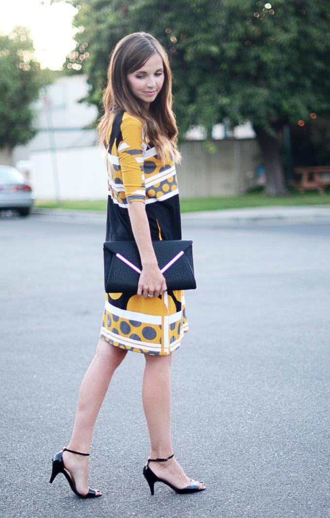 Вот такое прямое просто летнее платье с рукавами в итоге получится