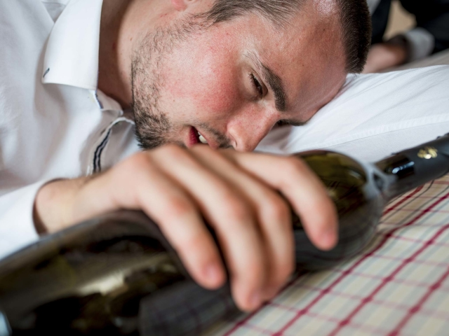 Рвота при алкогольной интоксикации