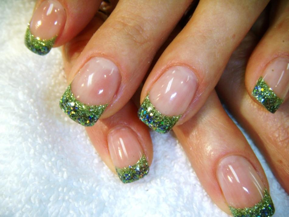 Ногти дизайн френч зеленый