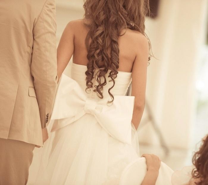 Завязываем бант на свадебном платье