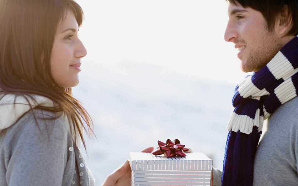 Как принимать подарки от любовника 16