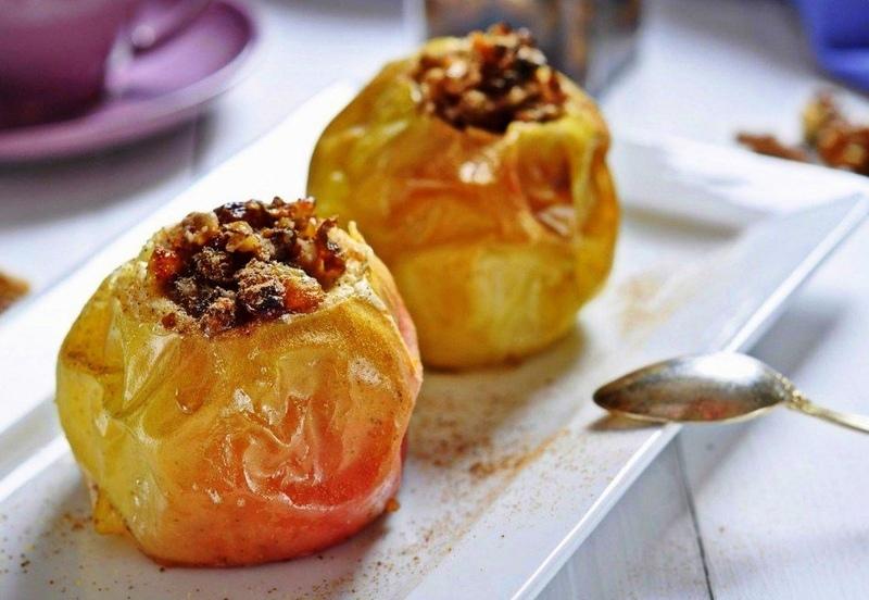 как запечь яблоки в духовке с медом