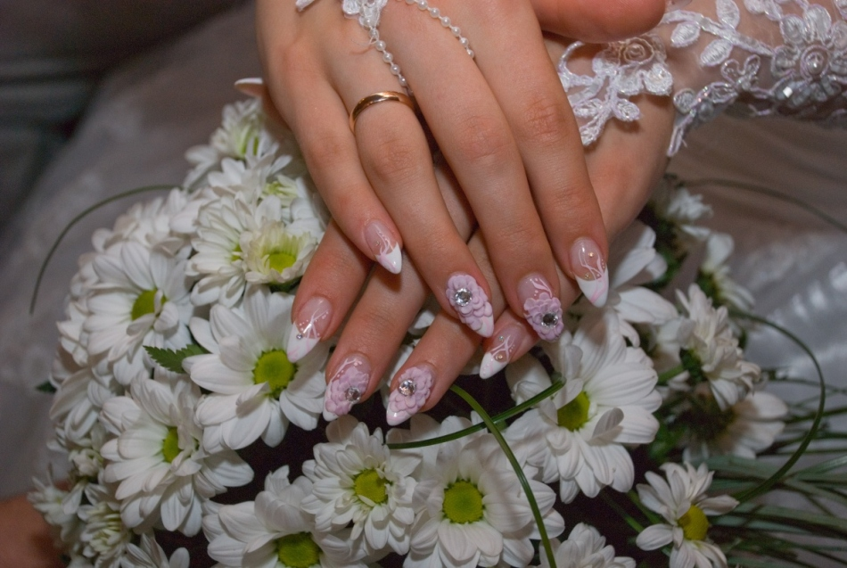 Наращивание ногтей к свадьбе