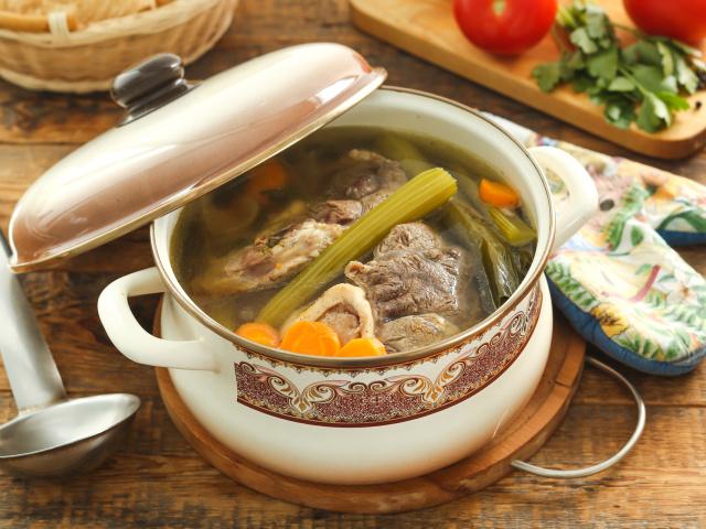 как правильно варить бульон из говядины для борща