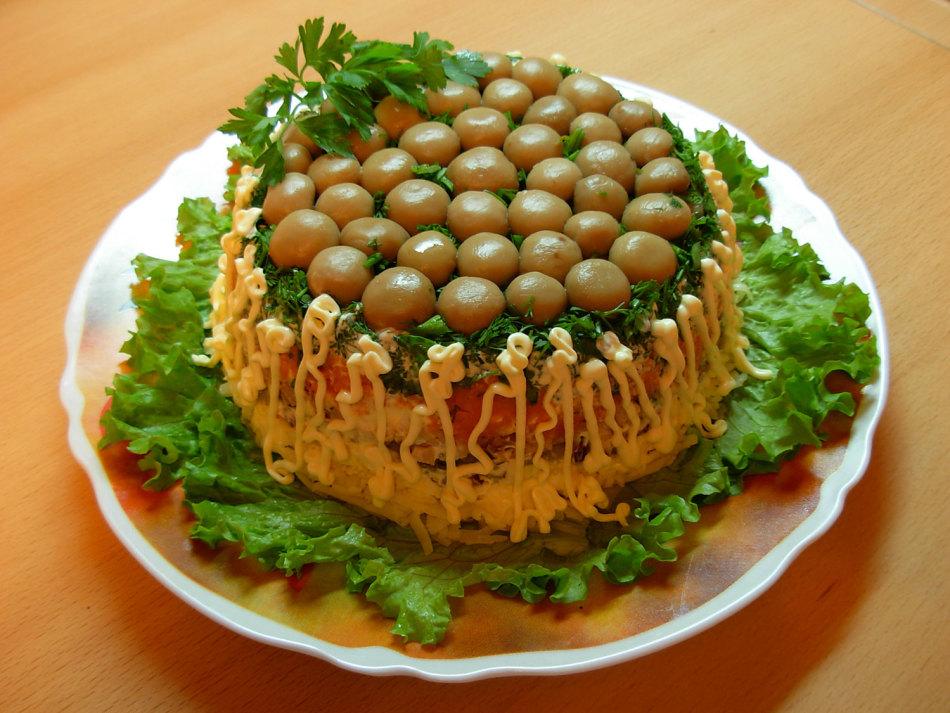 рецепт салата полянка с грибами и курицей
