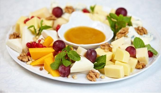 Пример подачи сырной тарелки