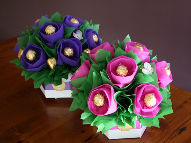 Мини-букетики на 8 марта из конфет