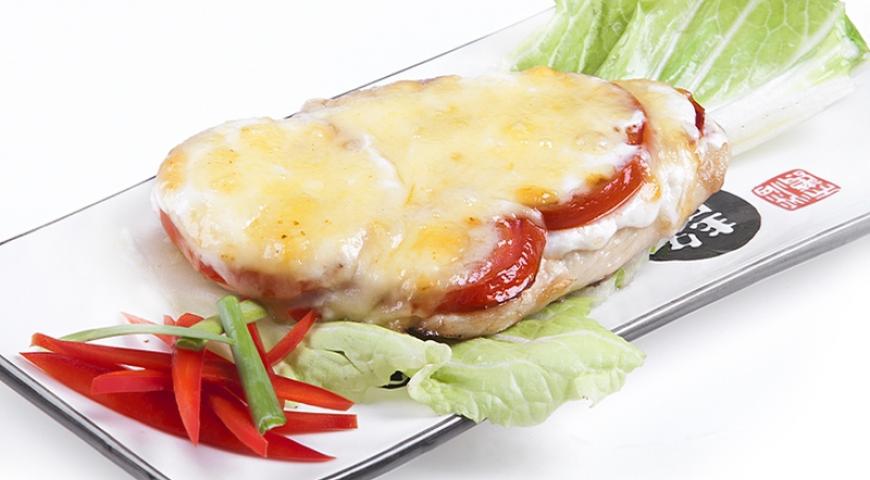 Куриное филе в духовке с помидором и сыром пошаговый рецепт