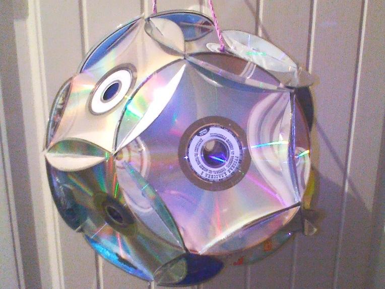 Елочную игрушку из дисков своими руками