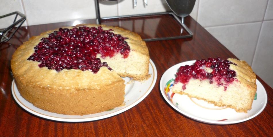 Брусничный пирог со сметаной рецепт с фото