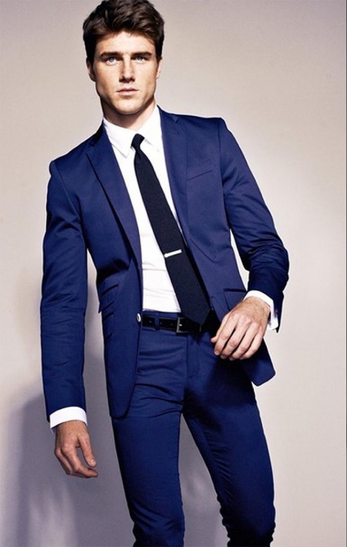 Какого цвета галстук подойдет к синему костюму