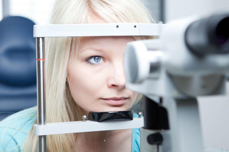 После лазерной коррекции зрения косметика