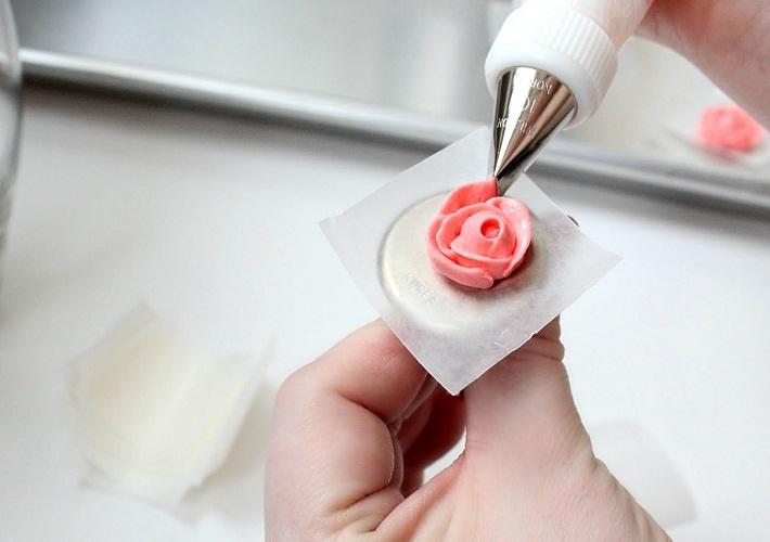 Процесс создания розы