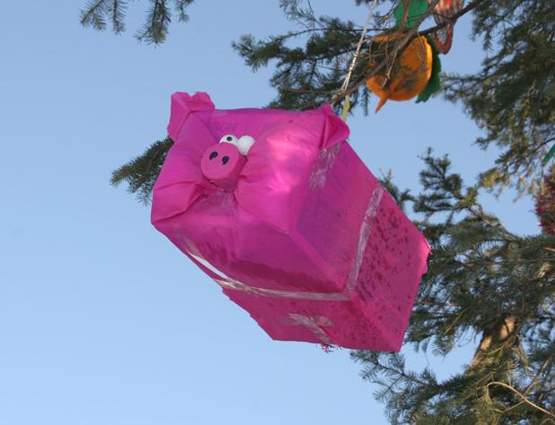 Как сделать елочную игрушку на большую елку