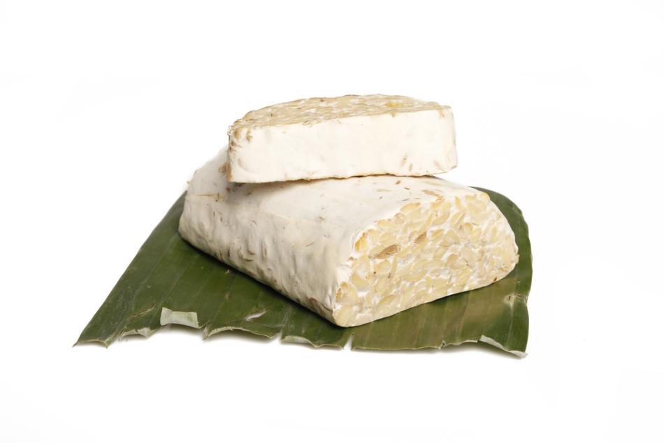 В темпе содержится больше белка чем в тофу