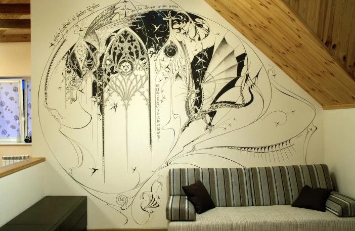 Роспись стен, рисунки, надписи: интересный декор стен