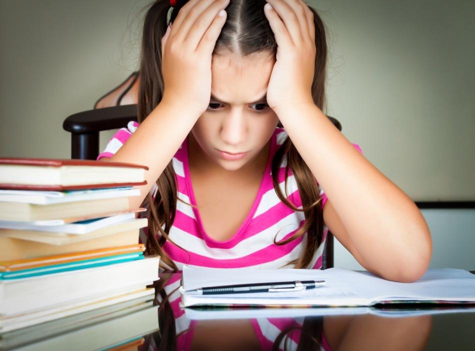 Нагрузка в школе, нехватка времени для прогулок и отдыха - причины всд у детей 10 лет.